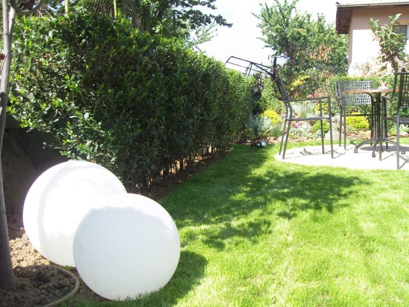 Озеленяване, поливна система и градинско осветление в София