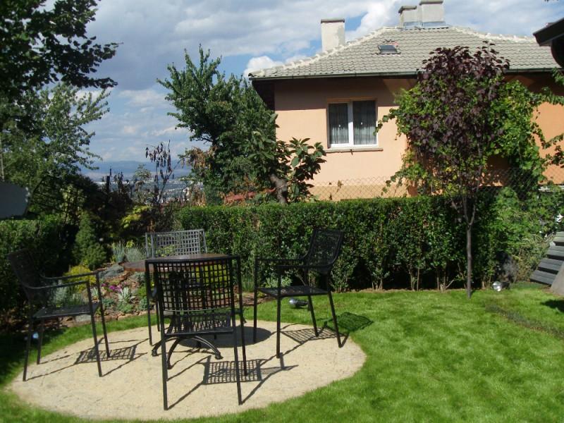 озеленяване на двор в софия