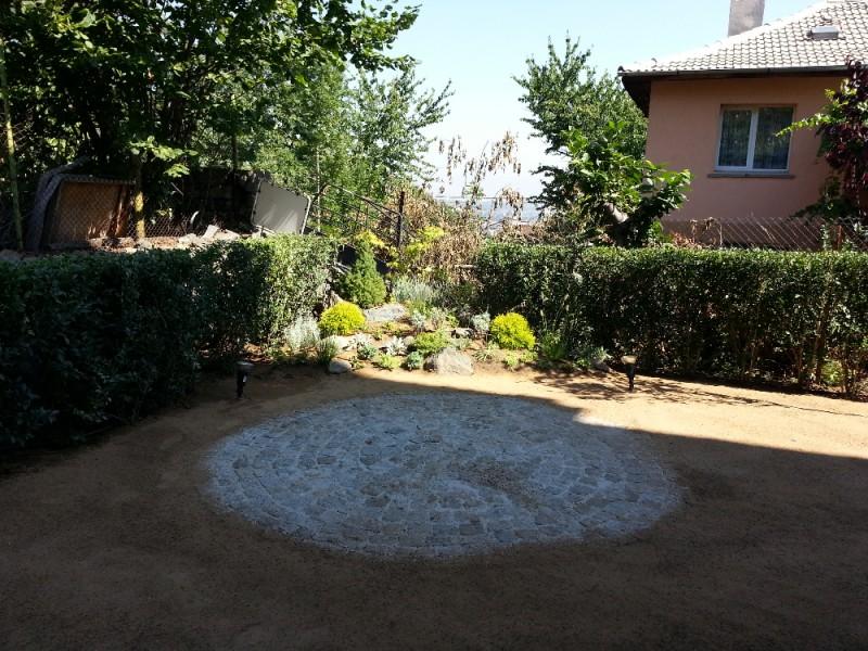 Паважна настилка в двор в кв. Бояна